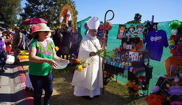 Bishop blesses Day of Dead altars in Los Angeles