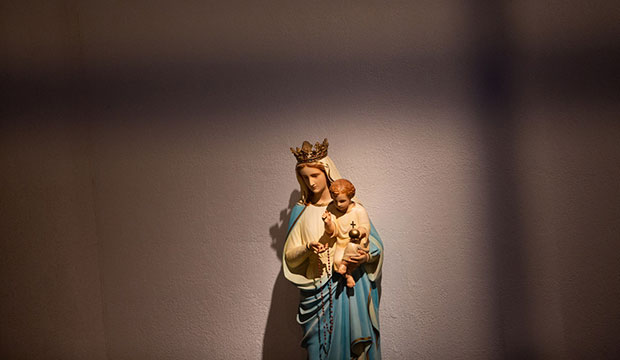 statue of Mary with infant Jesus
