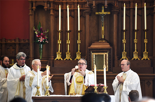 Bishop Michael Olson celebrates Mass using the new main altar at St. John Paul II Parish in Denton Feb. 16. (NTC/Ben Torres)